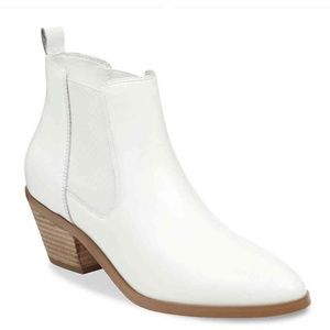 Marc Fisher Jayli Chelsea white ankle booties 8.5